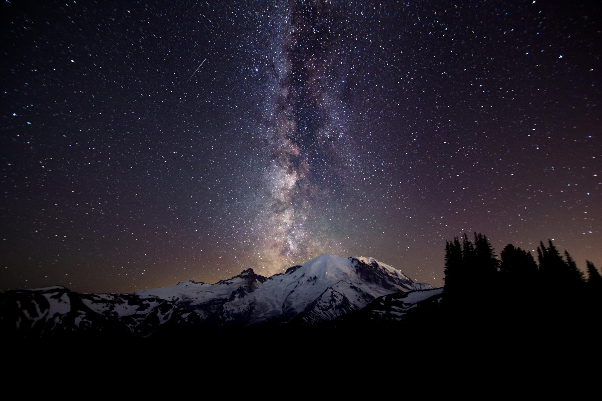 Beautiful Mount Rainier Night Sky