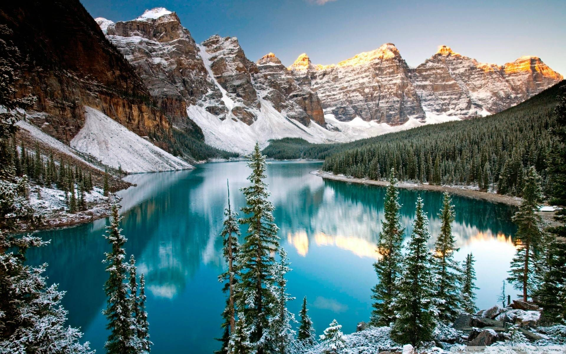 turquoise lake of alberta